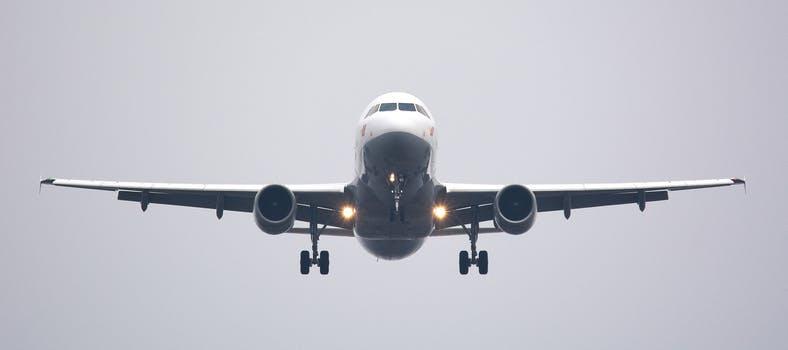 ¿Es posible hacerse con el control de un avión hackeando la red Wifi ?